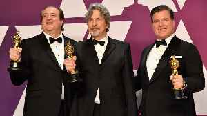Internet Loses It Over 'Green Book' Best Picture Victory | THR News [Video]