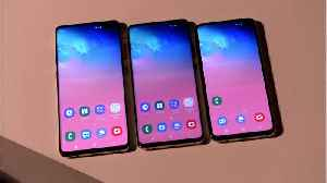How The Galaxy S10e Compares To iPhone XR [Video]