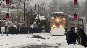 Amtrak train freed after 37 hours in snowy Oregon [Video]