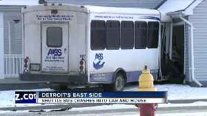 Bus crashes into house on Detroit's East Side [Video]