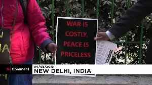 People in India call for peace with Pakistan [Video]