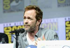 Luke Perry, 'Beverly Hills 90210' Star, Dead at 52 [Video]