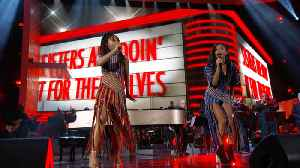 It's A True Sister Act When Chloe x Halle Perform 'Sisters Are Doin' It for Themselves' [Video]