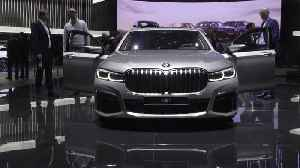 BMW presented the Updated 7-Series at the 2019 Geneva International Motor Show [Video]
