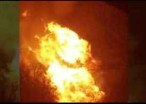 Flames Rage Above Site of Gas Line Explosion in Mexico, Missouri [Video]