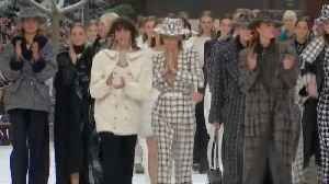 Lagerfeld's last show: Paris fashion week remembers designer at Chanel [Video]