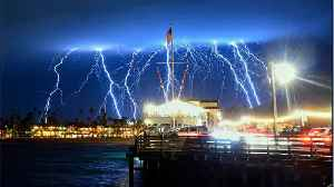 Lightning Strikes Two Thousand Times Over SoCal [Video]