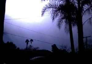 Spectacular Lightning Strike Lights the Sky in California [Video]