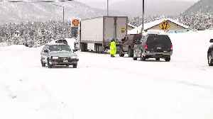 Update from Leadville as heavy mountain snow closes roads, strands travelers [Video]