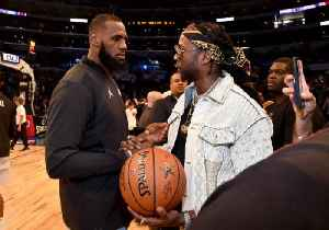 2 Chainz Gives Lebron James His Chain After Record-Breaking Night [Video]
