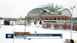 Brewers fans brace frigid temperatures ahead of Opening Day [Video]