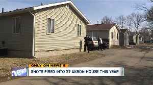 Man killed, 4-year-old injured in rash of shootings into Akron homes [Video]