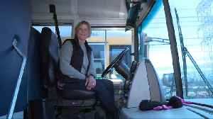 Bus Driver Hailed as a Hero for Saving Choking Child`s Life [Video]
