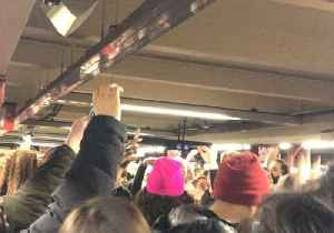 Robyn Fans Stage Impromptu Subway Singalong After New York Concert [Video]