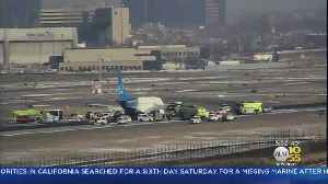 Flight To Ft. Lauderdale Makes Emergency Landing At Newark Airport [Video]