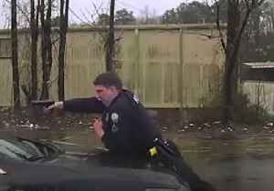 News video: Little Rock Police Officer Fatally Shoots Car Thief Suspect