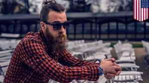 Man proves hipsters look alike by mistaking hipster photo as himself [Video]