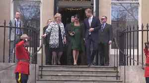 News video: Meghan Markle Pays Tribute to Her Former Home in a Green Erdem Coat