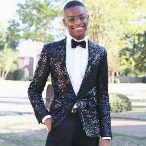This teen started his global bow tie business at 9 years old [Video]