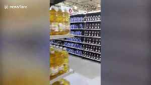 Row after row of Heinz ketchup seen on supermarket shelves in Caracas [Video]