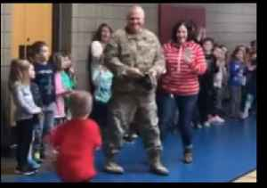 Minnesota School Arranges Special Reunion for Son and Army Dad [Video]