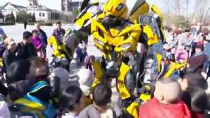 Transformer fan dresses up in 9ft Bumblebee costume in China's Shandong [Video]