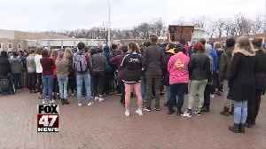 East Lansing students hold walkout for gun reform [Video]