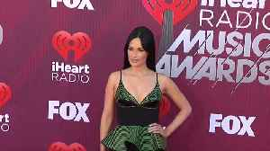Taylor Swift, Katy Perry, among celebrities hitting iHeartRadio carpet [Video]