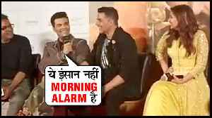 Karan Johar Makes FUN Of Akshay Kumar | Kesari [Video]