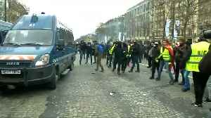 """French police use water cannon on """"yellow vest"""" protesters in Paris [Video]"""