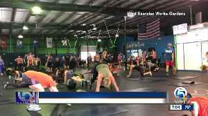 Dozens honor plane crash victim during workout in Palm Beach Gardens [Video]