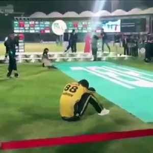 Real passion for cricket: Darren Sammy breaks down in tears after defeat in final [Video]