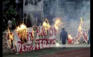 Greek derby abandoned after violence [Video]