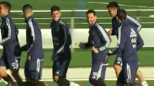 Messi trains with Argentina for the first time since World Cup [Video]