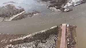 At least three dead in U.S. Midwest flooding [Video]