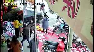 Hotel owner deliberately plunges car into shop to shut down loud stereo [Video]