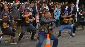 Watch: New Zealanders perform haka to honour mosque shooting victims [Video]