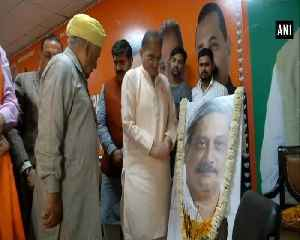 BJP leaders pay tribute to Goa CM Manohar Parrikar in Jammu [Video]