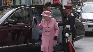 Cheering crowds greet the Queen and Kate at King's College London [Video]