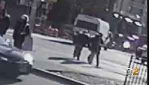 Police Seeking Suspect In Attempted Purse Snatching [Video]