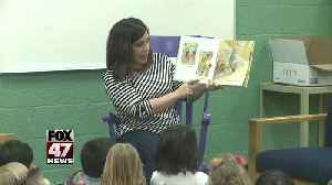 Reading to Local School for March is Reading Month [Video]