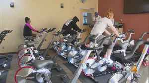 Bilingual Cycling Class Bringing People Together [Video]