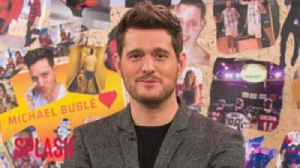 Michael Bublé Treats Audience Like Family [Video]