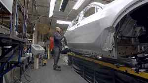 Production of the BMW X7 Body Shop [Video]