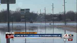 Craig residents seek refuge in neighboring town after evacuation [Video]