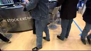 Traders dress for success as Levi's goes public [Video]