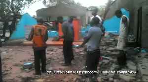Faithful sing in remains of church hit by Cyclone Idai [Video]