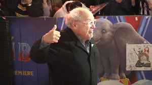 Danny DeVito gives a thumbs up for Jeremy Corbyn at London premiere of Dumbo [Video]