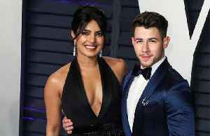 Priyanka Chopra loves sexting husband Nick Jonas [Video]