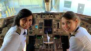 This Image Of Mother-Daughter Delta Flight Crew Is Going Viral [Video]